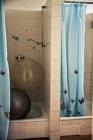 Porodní sál - sprchy